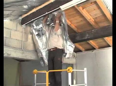 poser une sous toiture par l interieur isolation des combles avec un isolant multir 233 flecteur tuto brico de robert pour l isolation