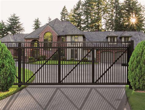 regis  series residential aluminum fencing cedar