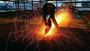 Saw sparks worker Wallpaper (53670)