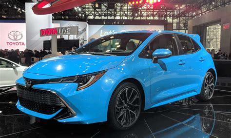 yeni toyota corolla hybrid  toyota cars review