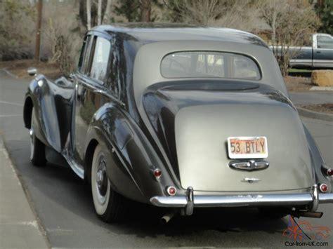 1953 Bentley R-type Standard Steel 4dr Saloon