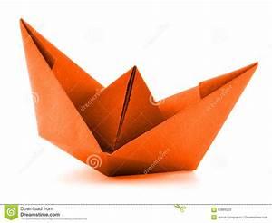 Origami Bateau à Voile : navire de papier orange bateau voile d 39 origami d ~ Dode.kayakingforconservation.com Idées de Décoration