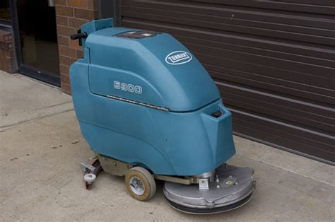 Tennant Floor Scrubber Service by Quality Building Solutions Tennant 5300 Walk