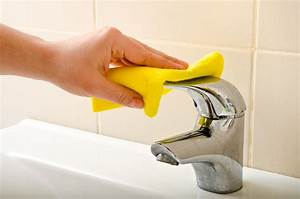 Comment nettoyer ou changer les joints de salle de bain for Comment nettoyer les joints de salle de bain