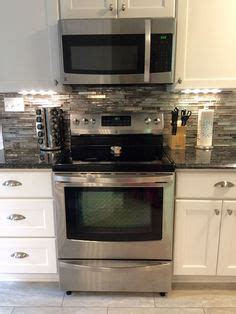 kitchen wall backsplash the picture features shaker ii maple bright white cabinets 3445