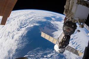 ISS Envy: Breathtaking Views of Earth
