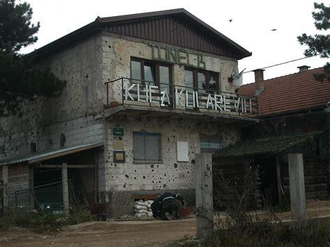 siege de sarajevo file sarajevo tunnel museum jpg wikimedia commons
