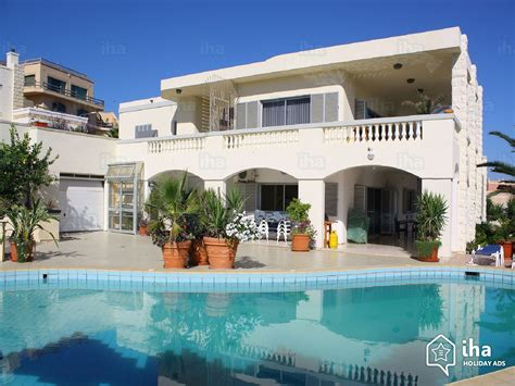 kitchen with large island bungalow for rent in mellieha iha 21759