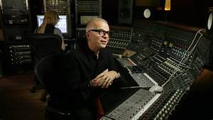 Tony Visconti Breaks Down David Bowie's 'Heroes'