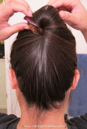 quick way to wear hair up without any rubberbands or pins