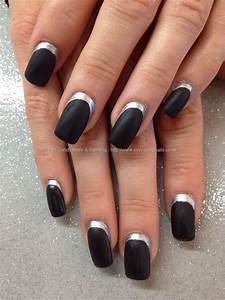 matte black acrylic nails
