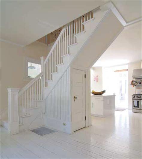 comment habiller une cage d escalier maison design mail lockay