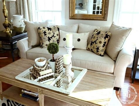 Sofa Arrangement by How To Build A Pillow Collection Like A Pro Stonegable