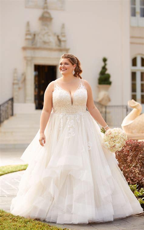 shimmering ballgown  size wedding dress stella york