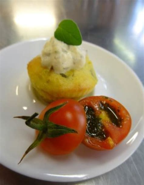 origan en cuisine minicakes chèvre et origan tomate cerise au pesto d