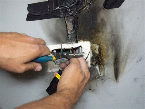 replace  electrical outlet receptacle  tos diy