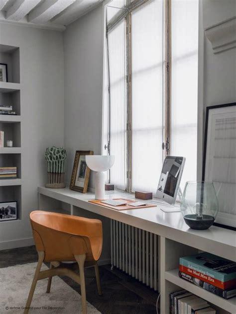 comfy windowsill desks  saving space shelterness