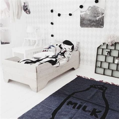 cute balck  white kids room designs