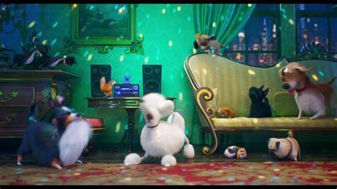 secret life  pets  leonard jump   cinemas