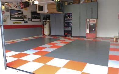 pvc fliesen garage fugenloser garagenboden aus pvc fliesen