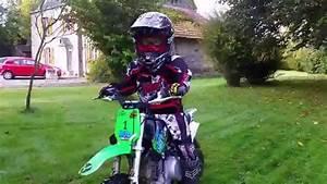 Vidéo De Moto Cross : moto cross enfant un saut pour esteban 5 ans avec sa mini moto youtube ~ Medecine-chirurgie-esthetiques.com Avis de Voitures