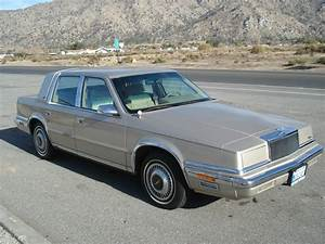 1989 Chrysler New Yorker Landau Sedan 4