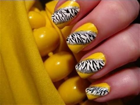 cool yellow acrylic nail design ideas