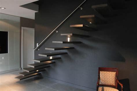 decoration escalier noir
