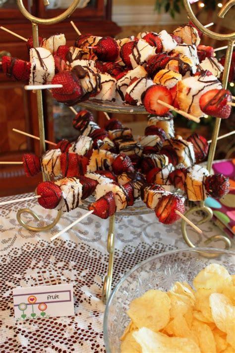 easy party dessert fruit skewer
