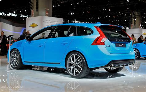 volvo  polestar   blue wagon  chicago  photo