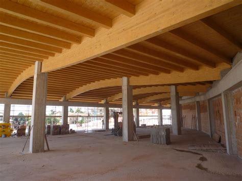 copertura  legno lamellare nuovo centro commerciale