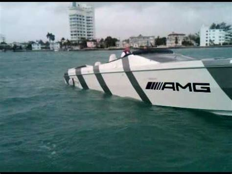 Cigarette Boat Te Koop by Amg Cigarette Race Boat At Idle From Press Boat