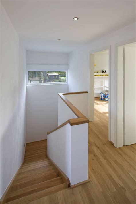 flur mit treppe gestalten modern treppenhaus moderner flur diele treppenhaus puschmann