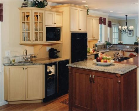 country kitchen islands with seating 190 best images about kitchen islands on pinterest moveable kitchen island kitchen island