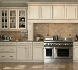 cabinet for kitchen sink 31 best antique white kitchen cabinets images on 5059