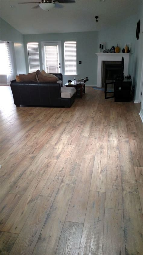 After Mohawk Rare Vintage Laminate In Fawn Chestnut Feels