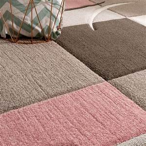 Teppich Im Wohnzimmer : designer teppich modern konturenschnitt pastellfarben mit karo muster beige rosa teppiche ~ Frokenaadalensverden.com Haus und Dekorationen