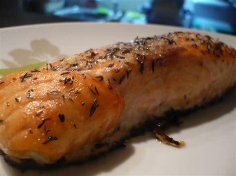 cuisiner pavé de saumon au four saumon au four tout simple mes petits délices