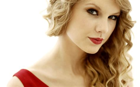 Why College Students Should Take Dating Advice From Taylor