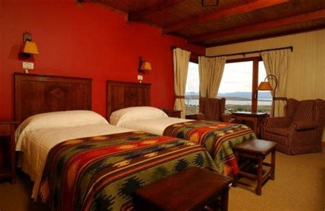 Hotel La Cantera Calafate  3 Estrelas  Tangol. Hotel I Tre Re. The Kimberley Hotel. One To One Hotel – Dhour Choueir. Royal Group Hotel Ho Yi Branch. Crown Terrace Villa Hotel. Thunderbird Carrera Hotel & Casino. Aria Resort And Casino. Lords Hotel Sharjah