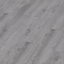 Sol stratifie parquet chene makro gris clair flottant for Parquet flottant gris clair