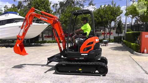 kubota   ton compact excavator  hrs  youtube
