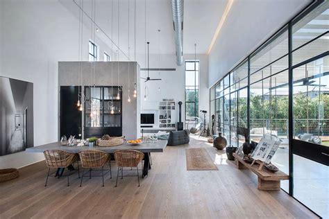 ligne roset bureau maison contemporaine au design minimaliste industriel en israël vivons maison