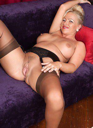 Busty Milfs Free Big Tits Porn Hot Vintage Milf Pics