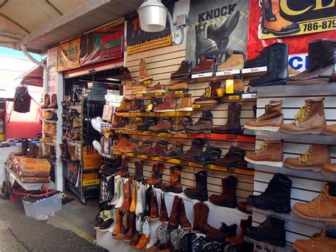 flea market indoor  door redland market village