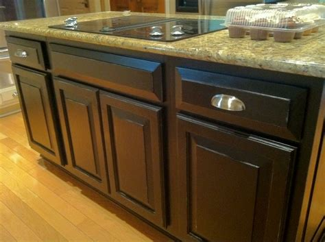 Kitchen Cupboards Refinishing by Best 25 Resurfacing Cabinets Ideas On