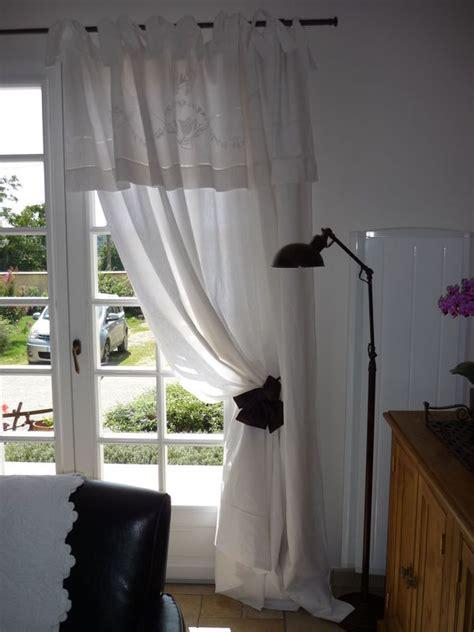 faire des rideaux avec draps anciens un vieux napperon blanc stock 233 dans un tiroir l atelier de cr 233 ation dentelle