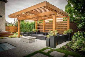 pergola lounge au design moderne realisee en cedre rouge With ordinary amenagement terrasse exterieure design 5 20 idees pour la pergola design sur le toit