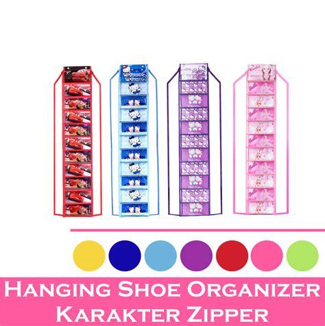 Rak Sepatu Gantung Resleting rak sepatu gantung resleting motif langkah cepat rapikan