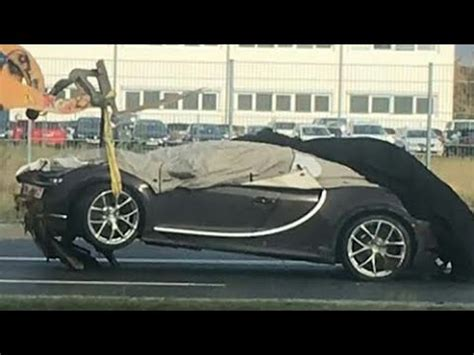 "Bugatti Chiron ""crash Test"" 200kmph Driving School 2017"